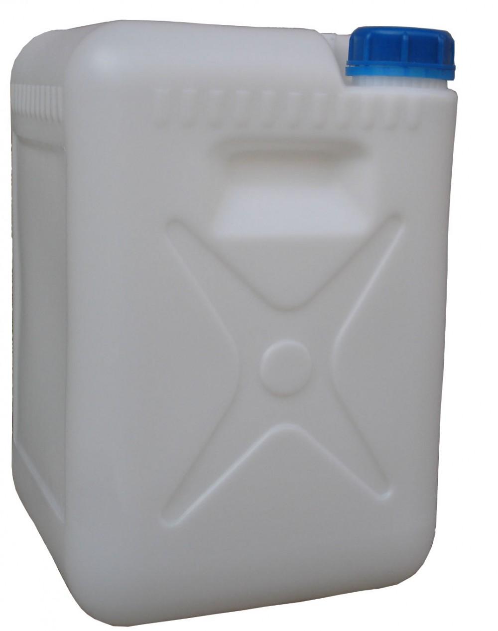 **用塑料桶